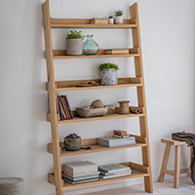 Hambledon Oak Ladder Shelf - Large